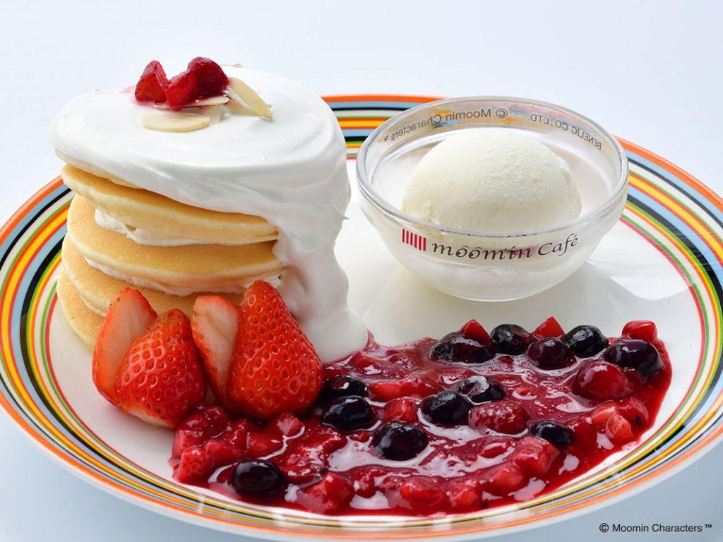 ムーミンカフェ 4種のベリーパンケーキ