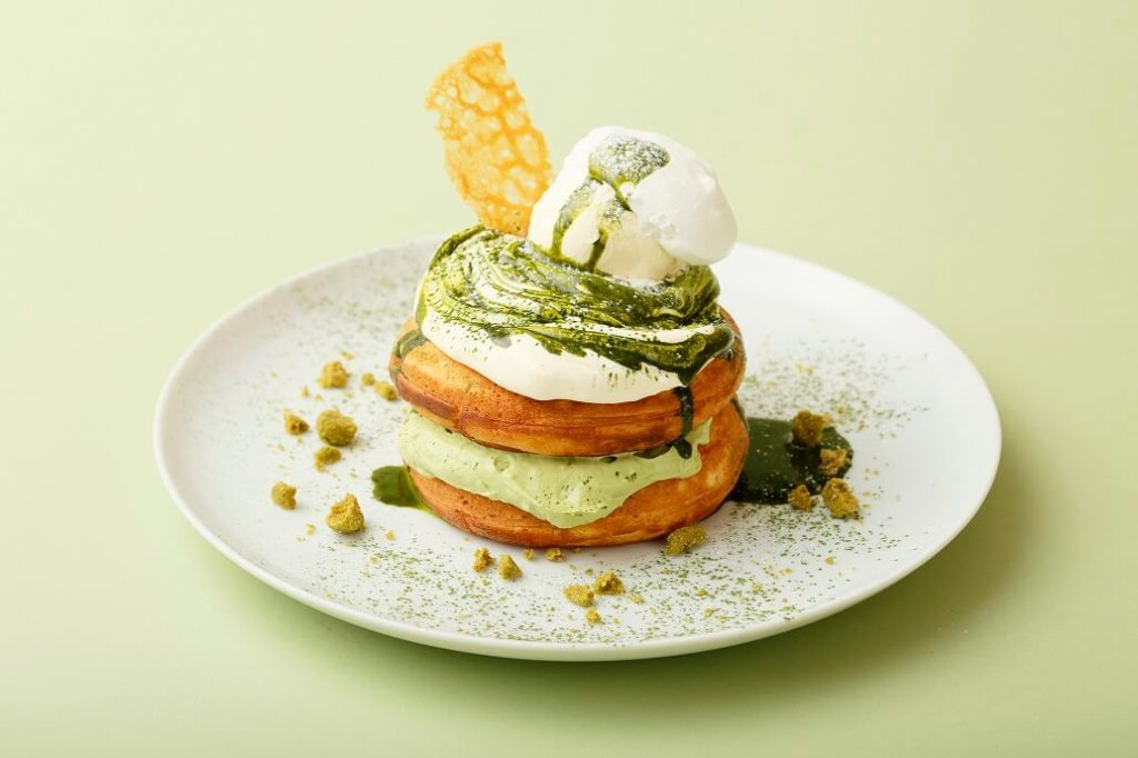 福岡産八女茶とマスカルポーネクリームのパンケーキ