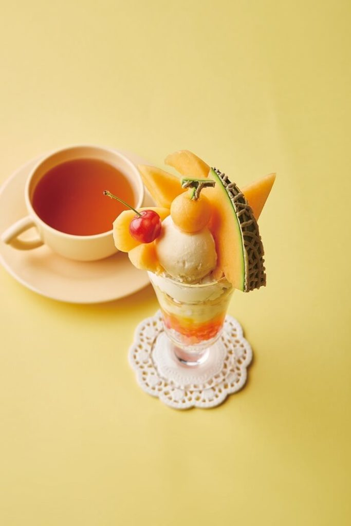 【Afternoon Tea】フルーツをたっぷり味わえる新作スペシャルメニュー 夕張メロンとルビーグレープフルーツジュレのパフェ