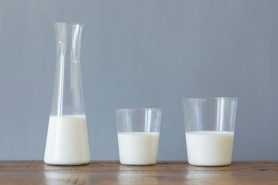 「HANDEL'S CAFE (ハンデルスカフェ)」三種類のミルクアイス食べ比べ 牛乳