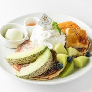 Butterほこたメロンとクリームブリュレのパンケーキ~メロンソース&メロンシャーベット添え~