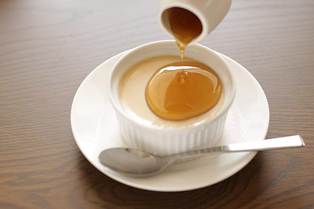 台湾茶カフェ「狐月庵」おすすめメニュー 台湾茶葉入りプリン