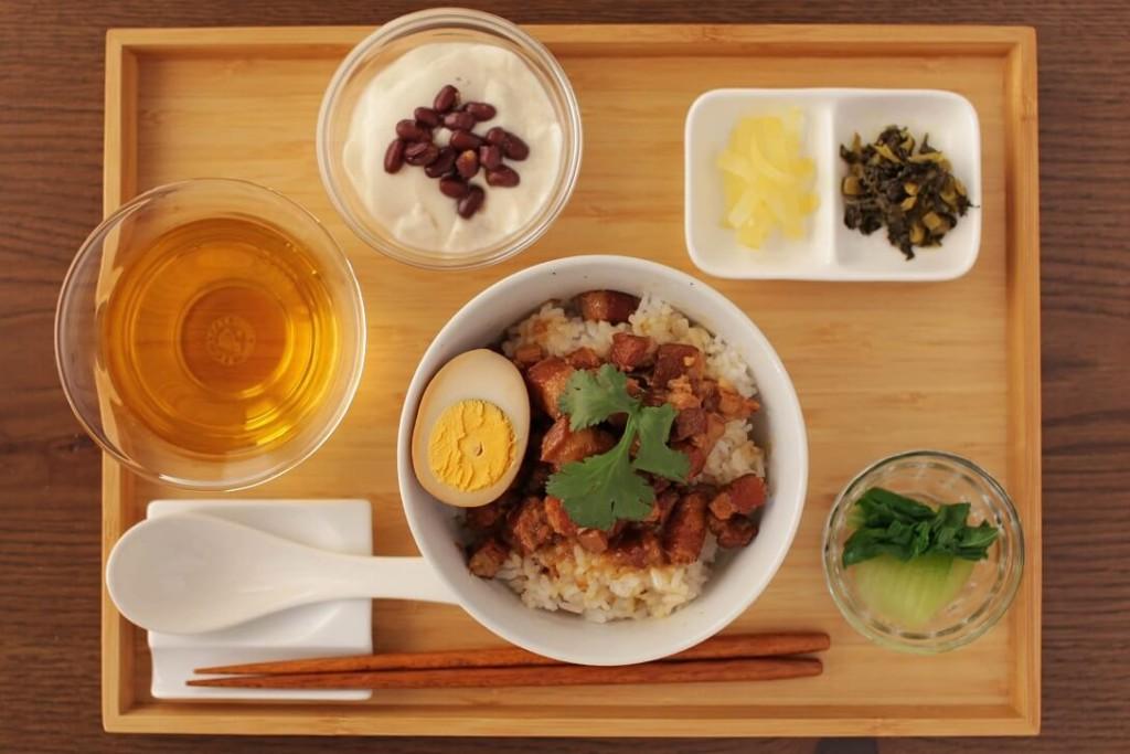 台湾茶カフェ「狐月庵」おすすめメニュー ルーローハン