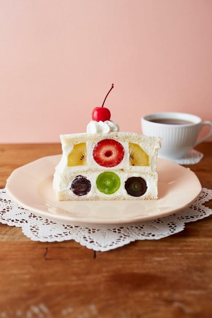 Afternoon Tea バースデーフルーツサンドケーキ
