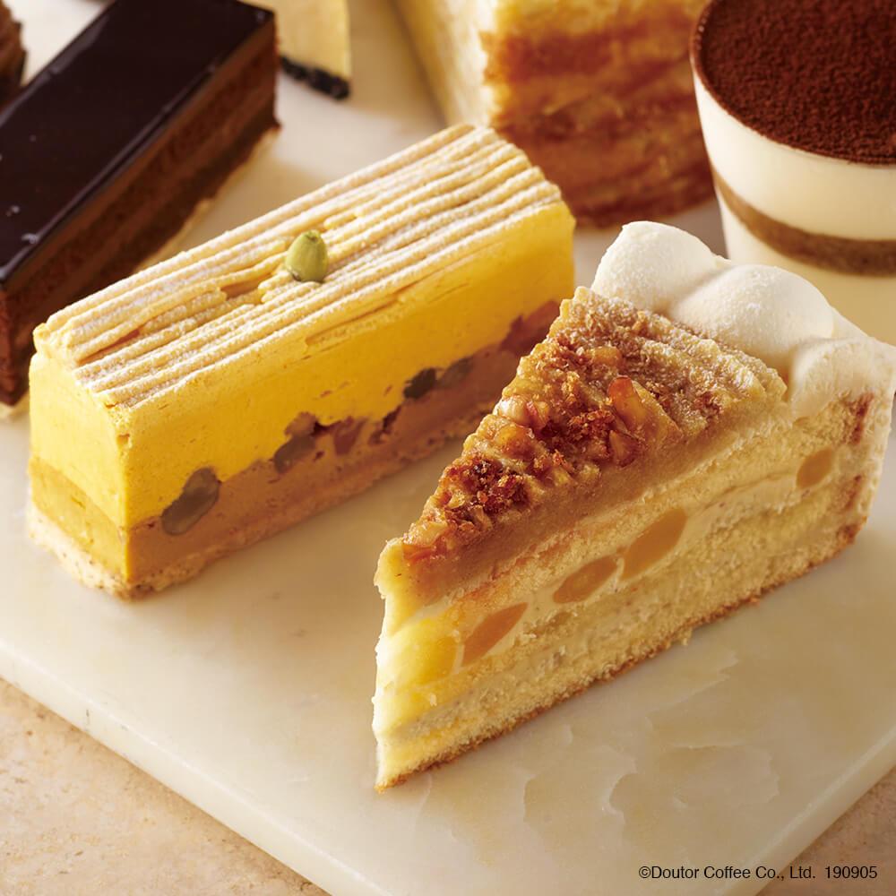 エクセルシオールカフェ りんごとスイートポテトのショートケーキ  チャイパンプキンのチーズケーキ