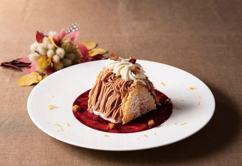 ヨックモック青山 『栗のデセール ~自家製アイスクリームとカシスのソース~』