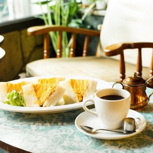 「hotel koe tokyo(ホテル コエトーキョー)」×喫茶マドラグ コラボメニュー