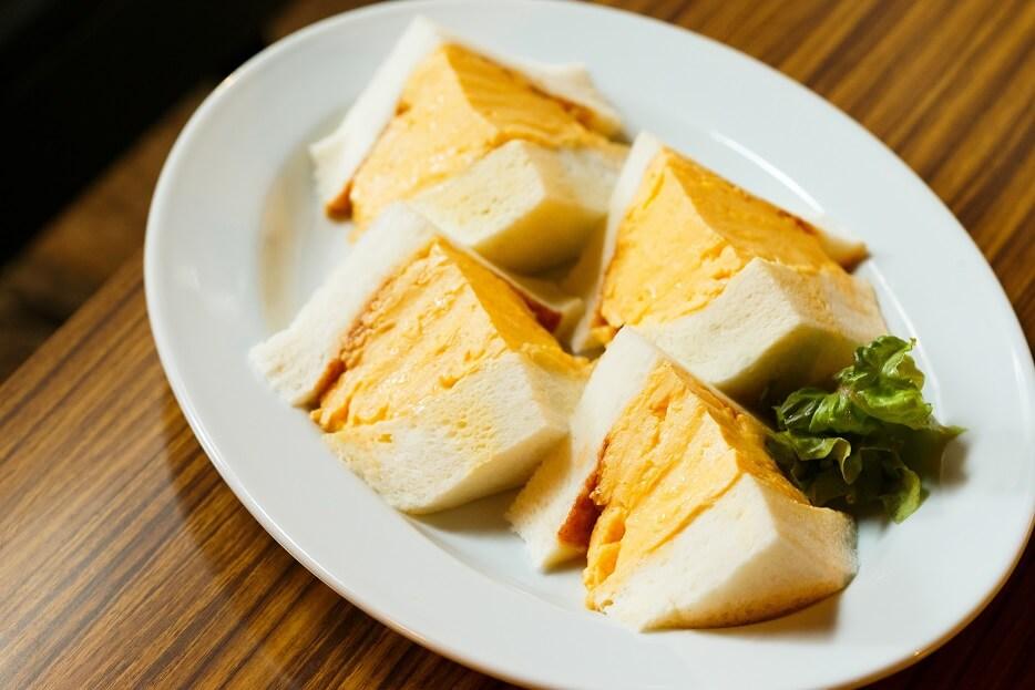 「hotel koe tokyo(ホテル コエトーキョー)」×喫茶マドラグ コラボメニュー コロナの玉子サンド