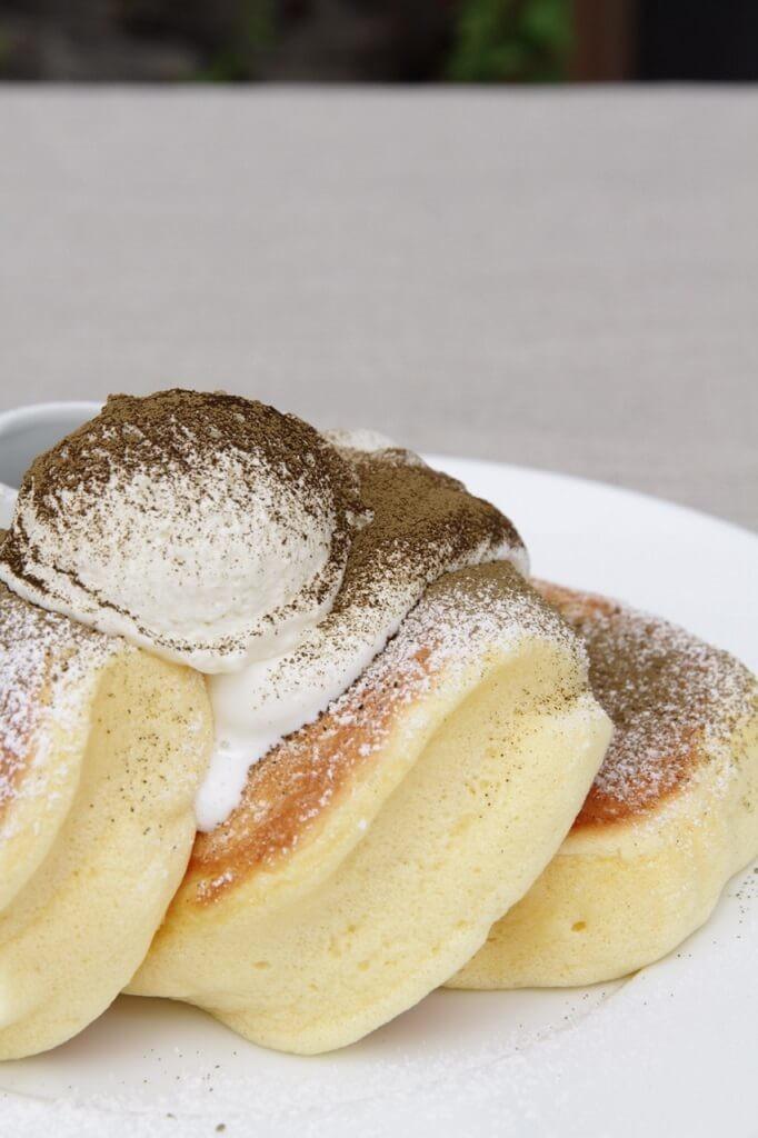 幸せのパンケーキ ほうじ茶のティラミスパンケーキ
