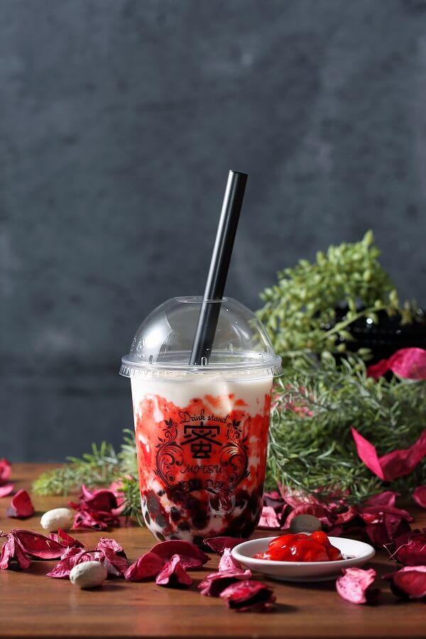 『Drink Stand 蜜 -MITSU-』赤坂店 黒糖タピオカイチゴミルク