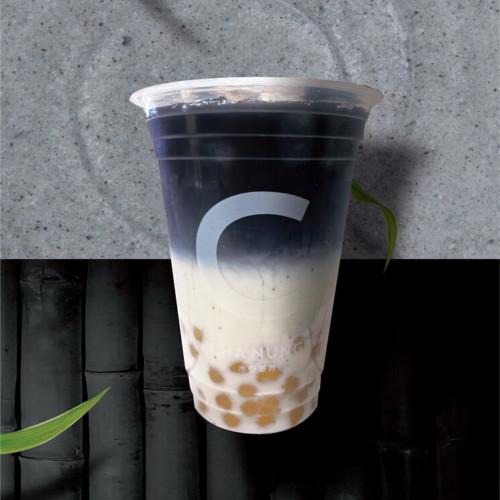 「CHA NUNG (チャノン)」黒ゴマチャコールラテ with 白タピオカ