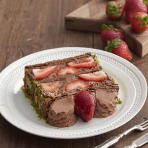 《キハチ》苺がいちばん美味しい季節しか味わえない「KIHACHIのナポレオンパイ」発売。今年はショコラも!