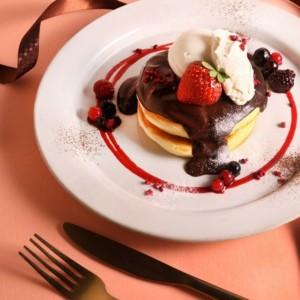 カフェ「ココノハ」からバレンタイン限定パンケーキが発売開始!