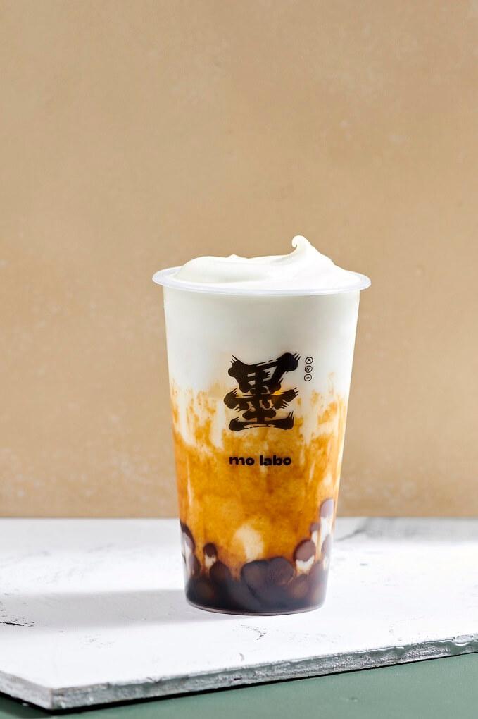 台湾タピオカドリンク専門店『mo labo(モラボ)』 黒糖タピオカチーズクリームミルクティー