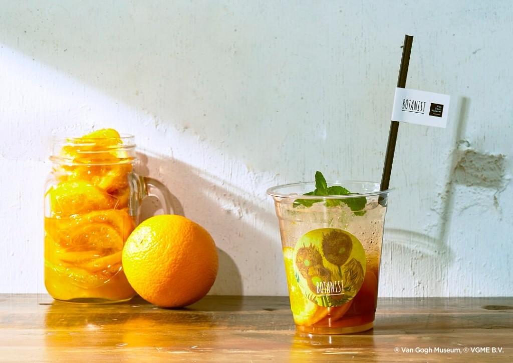 表参道「BOTANIST cafe(ボタニストカフェ)」 ゴッホ美術館 限定ドリンク オレンジティーソーダ