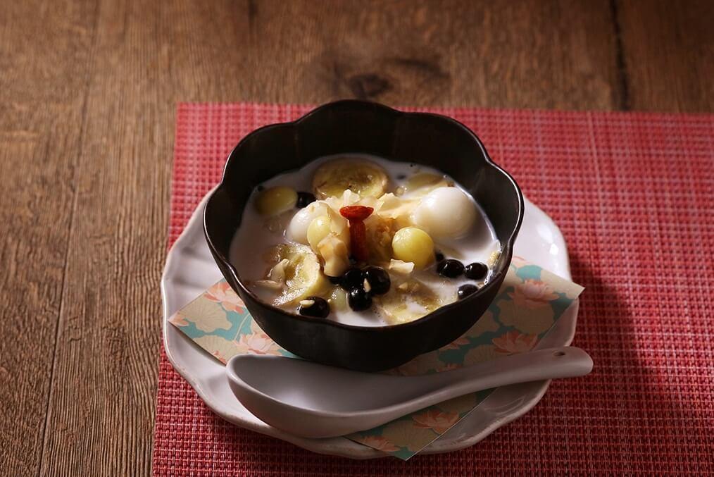 ベトナミーズ ティー&キッチン「HASU(ハス)」 バナナとココナッツミルクのチェー