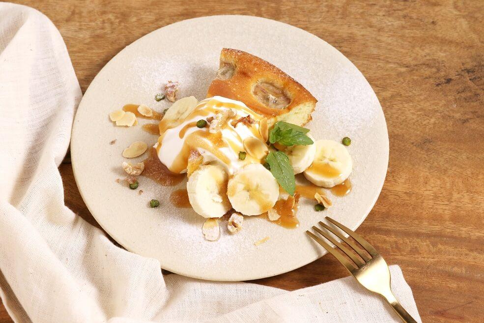 ベトナミーズ ティー&キッチン「HASU(ハス)」 バナナと練乳のキャラメルケーキ
