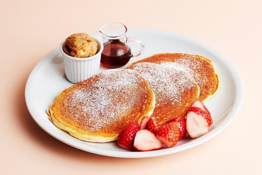 J.S. PANCAKE CAFE 苺のクラシックパンケーキ