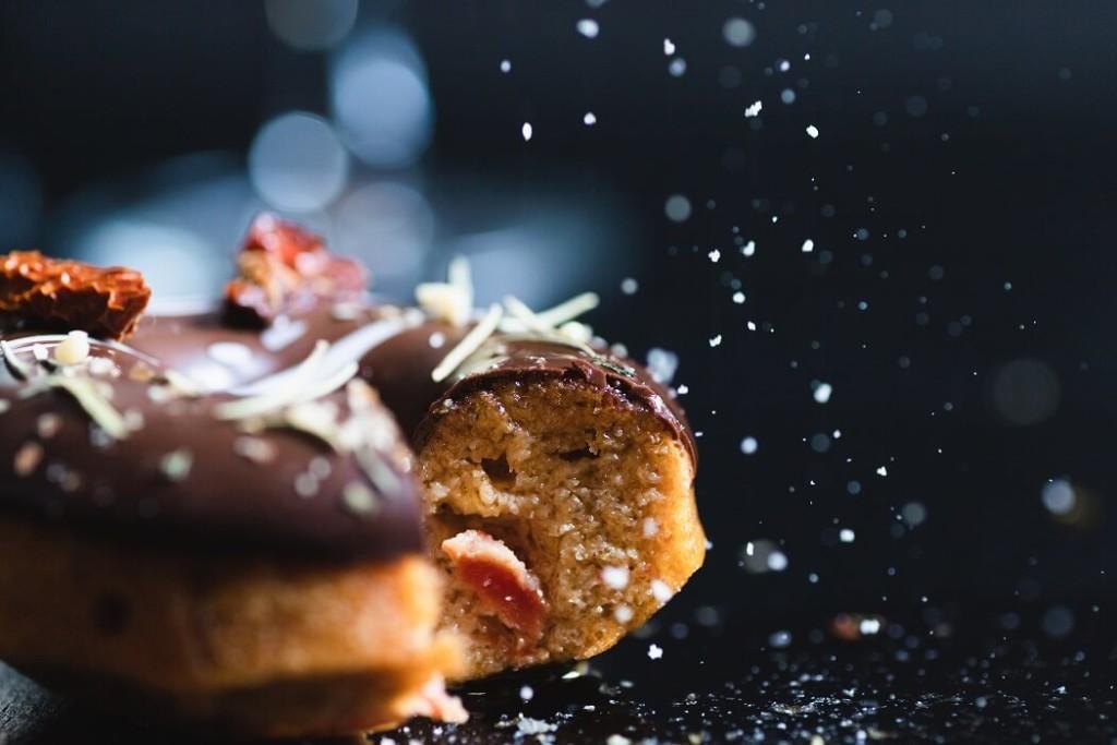 お花の焼きドーナツ専門店gmgm おつまみ焼きドーナツアンチョビトマト×バジル