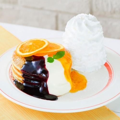 エッグスンシングス カシスとオレンジのパンケーキ