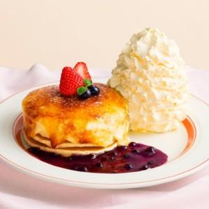 エッグスンシングス 『クリームチーズのブリュレパンケーキ』