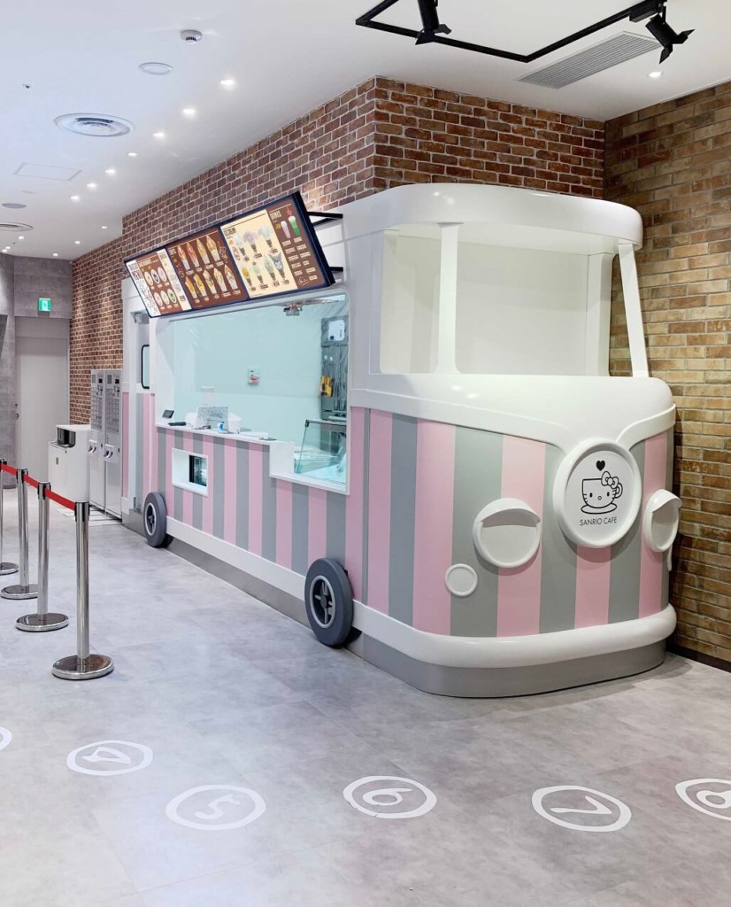 SANRIO CAFE 池袋店 テイクアウト用ワゴン