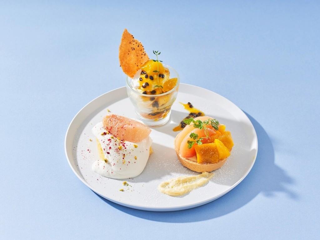 桃とマンゴーの贅沢デザートプレート
