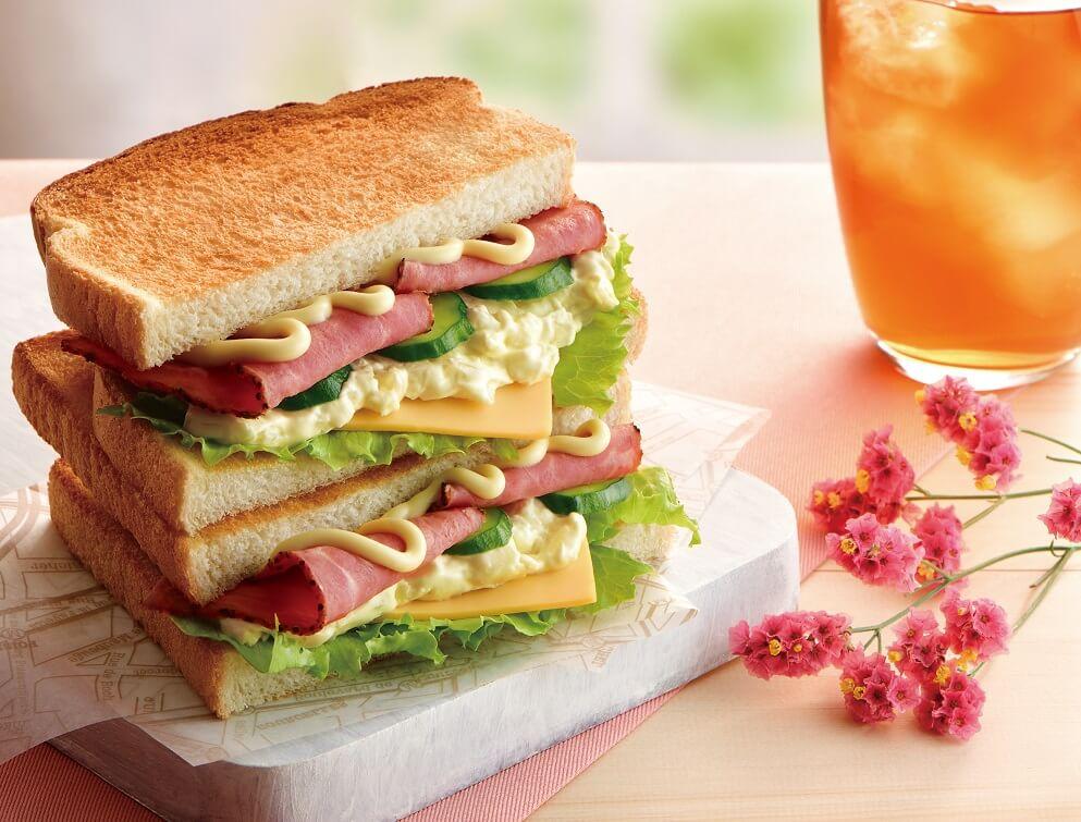 カフェドクリエ トーストサンド パストラミビーフ&チェダーチーズ