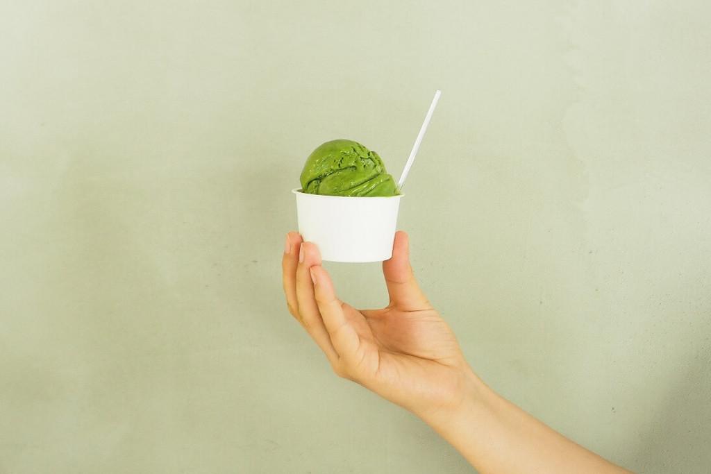 すすむ屋茶店抹茶アイスクリーム
