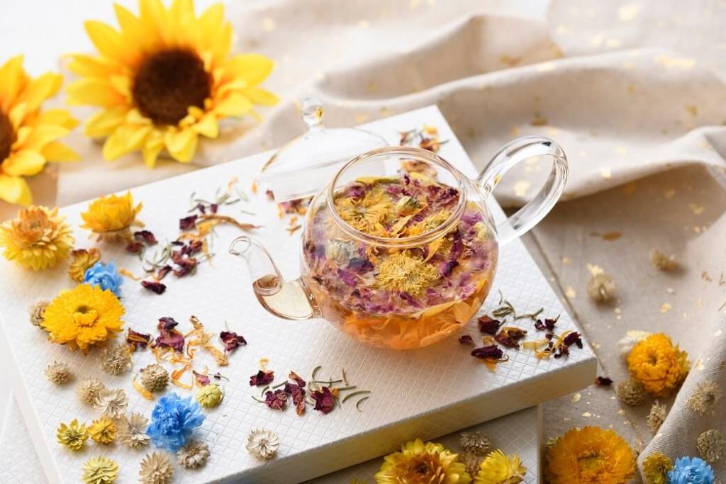 アニヴェルセルカフェ みなとみらい横浜 Blooming Sunflower tea