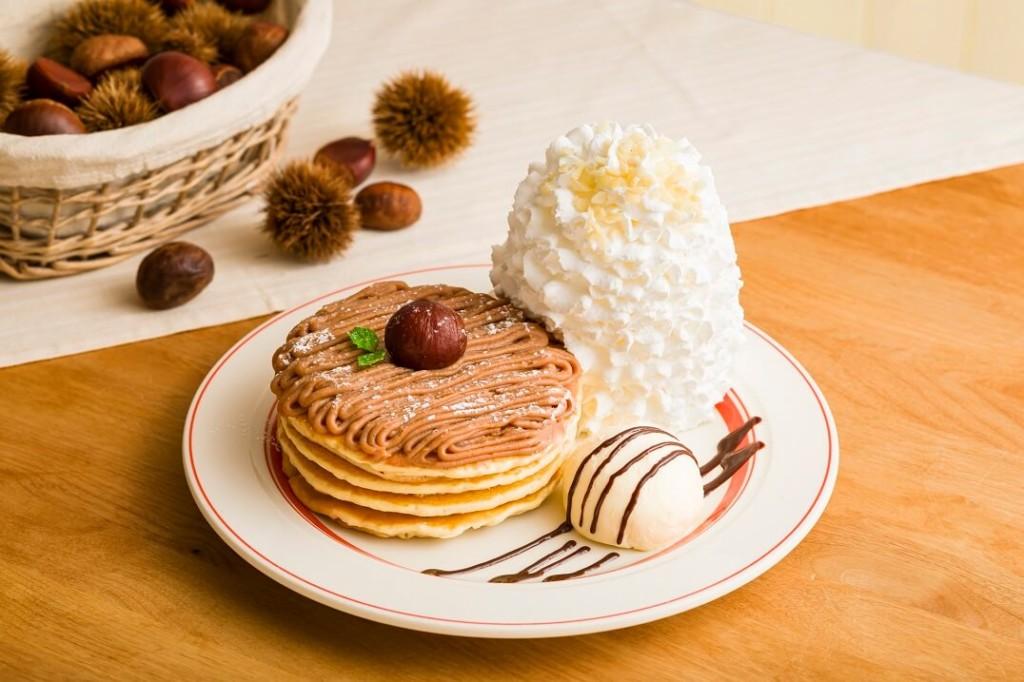 Eggs'n Thingsモンブランクリームパンケーキ
