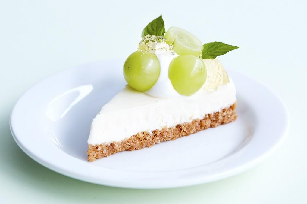 J.S. PANCAKE CAFE シャインマスカットチーズケーキ