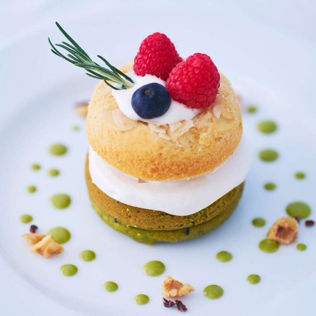 BOTANIST cafe ヴィーガンドーナツが選べるホリデーケーキ