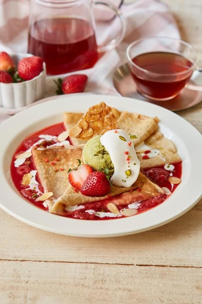 Afternoon Tea ライ麦のクレープ 苺とピスタチオの真っ赤なシュゼット