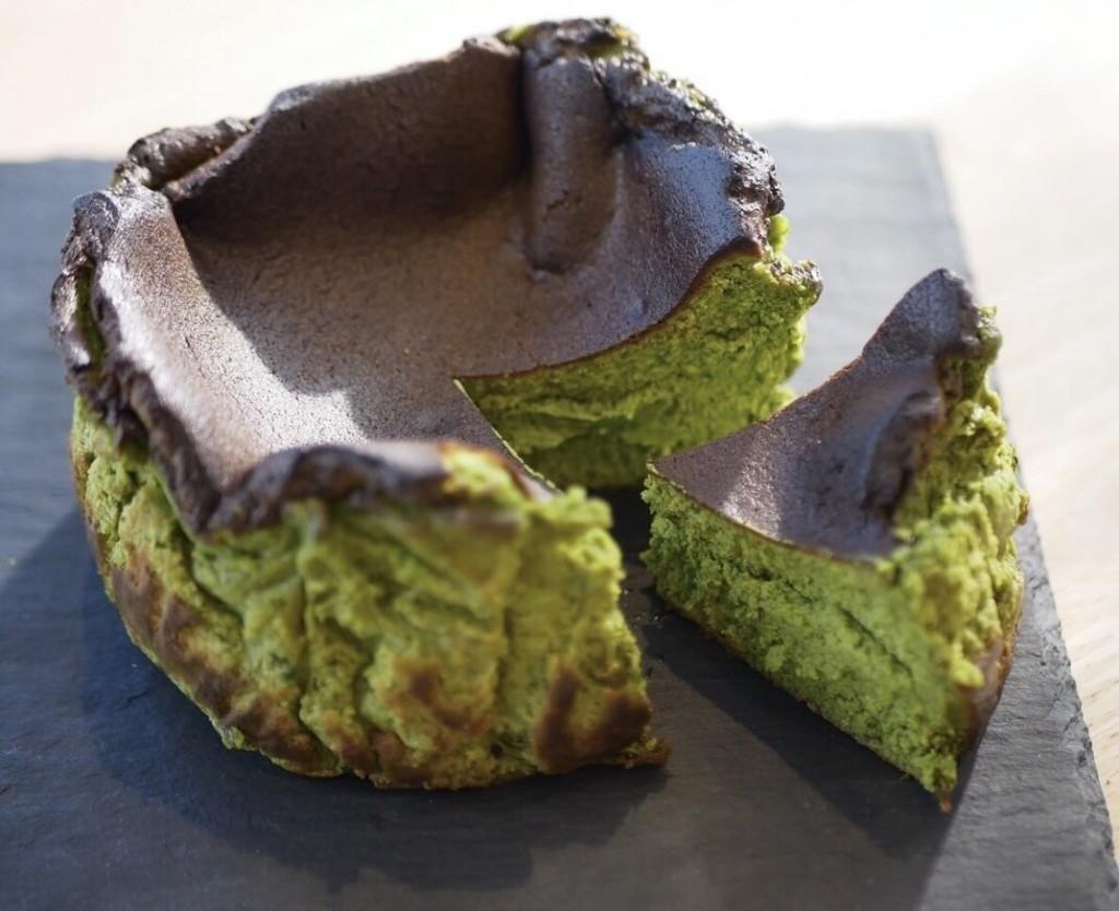 大三萬年堂HANARE 深み抹茶のバスクチーズケーキ