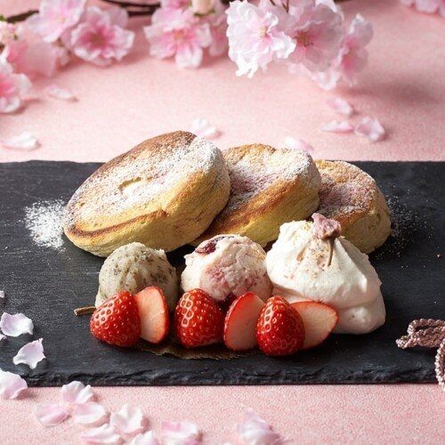 インターコンチネンタル 東京ベイの「ニューヨークラウンジ」 桜パンケーキ