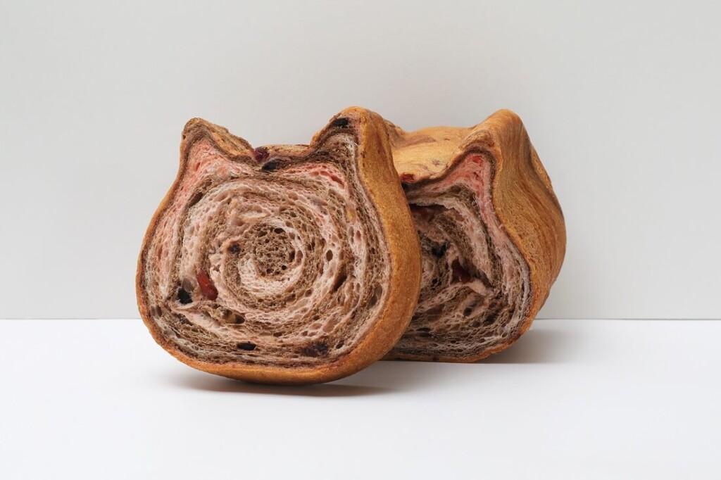 ねこねこ食パン いちごとちょこ