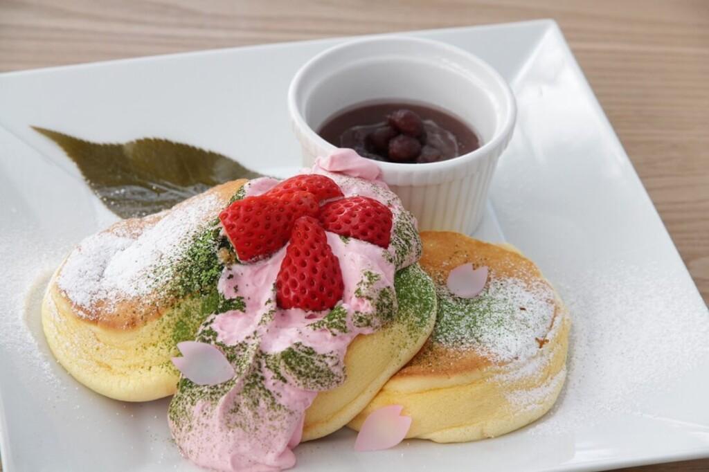 幸せの桜パンケーキ
