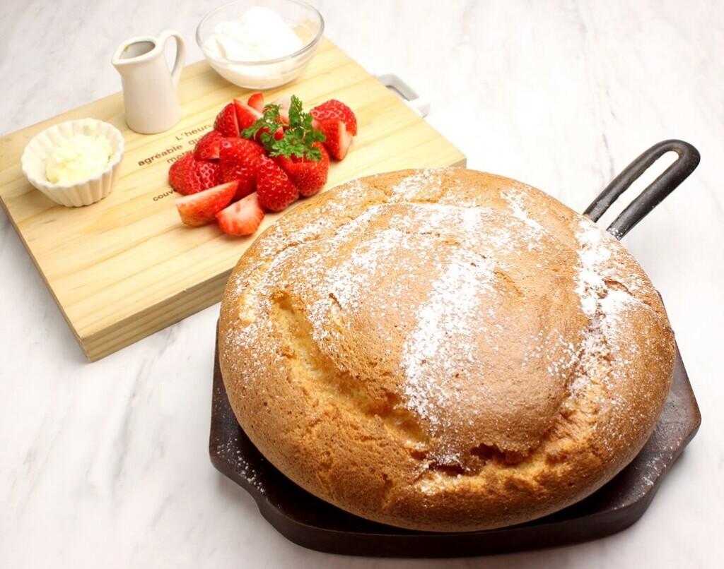 OMATCHA SALON たっぷりイチゴの台湾カステラパンケーキ