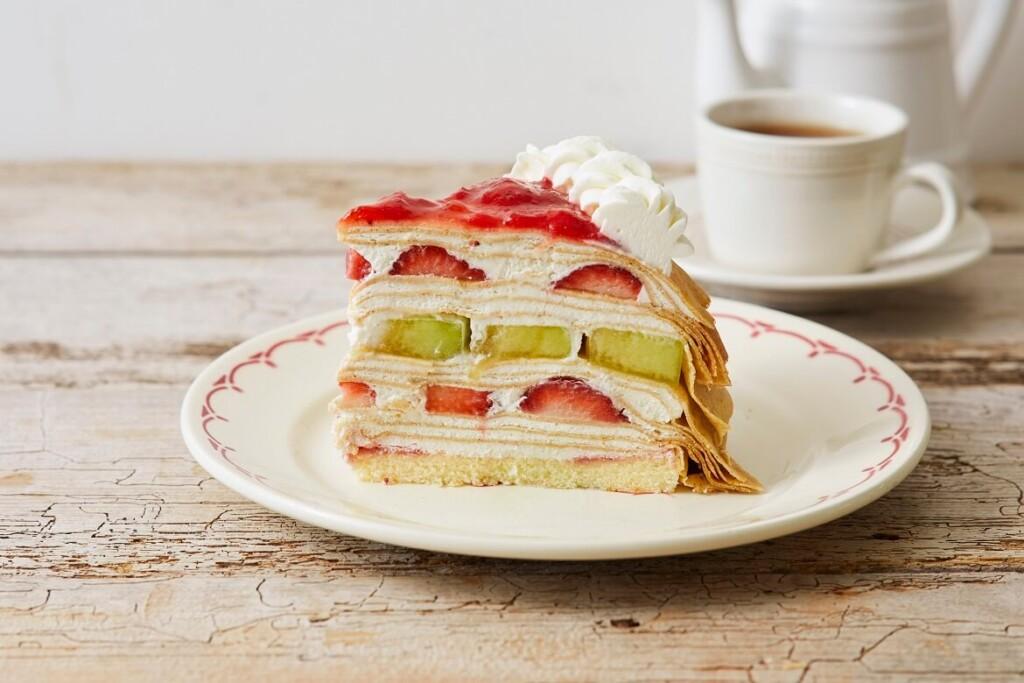 Afternoon Tea LOVE&TABLE 苺とメロンのサワークリームミルクレープ