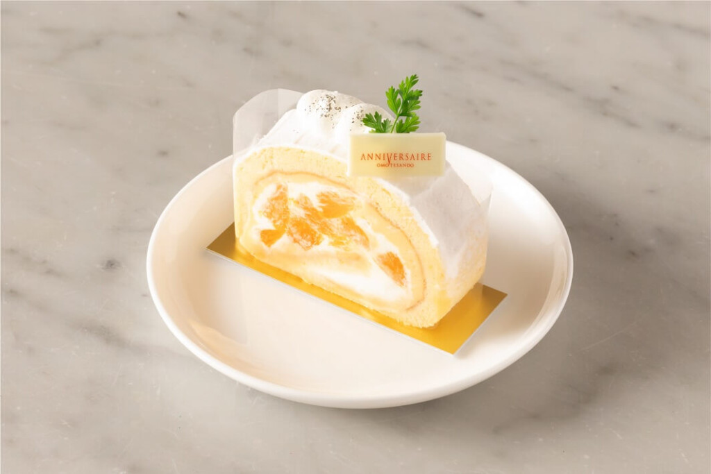 アニヴェルセルカフェ 表参道 オレンジと甘夏のロールケーキ