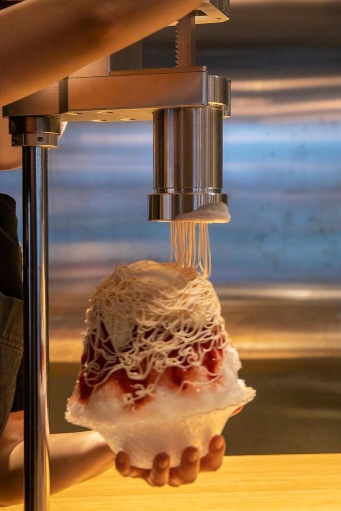 「NEW LIGHT」『苺と練乳のモンブランかき氷』