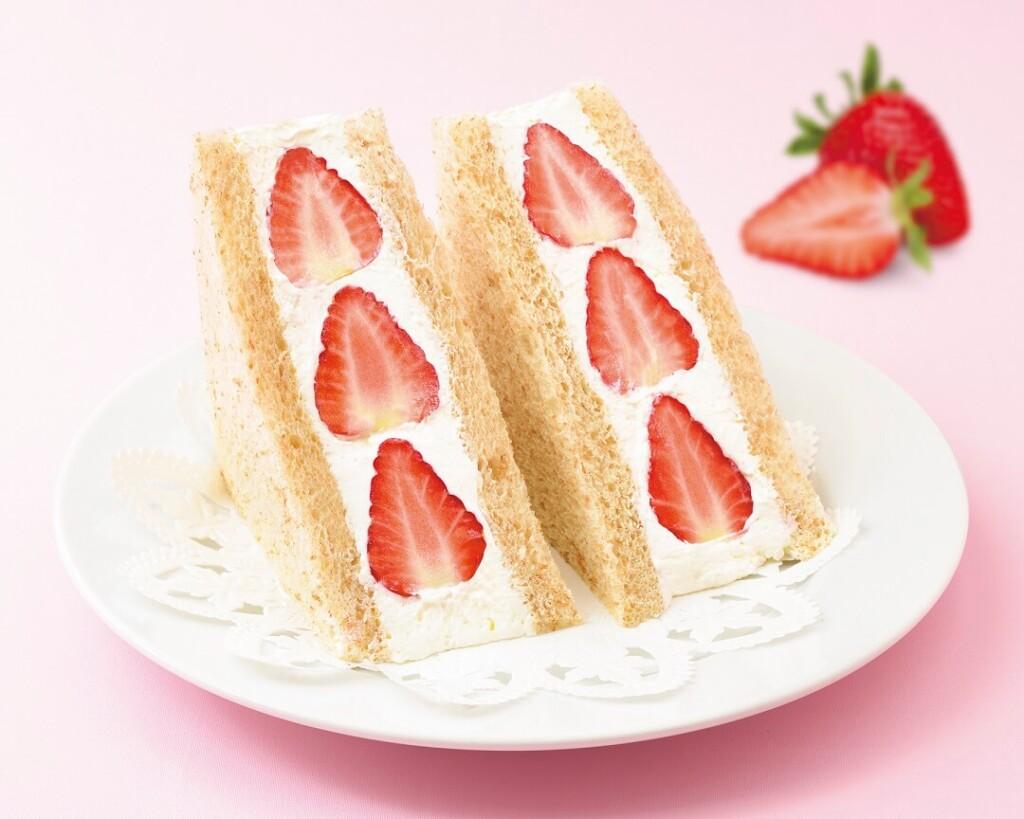 銀座コージーコーナー 『苺のフルーツサンドウィッチ』