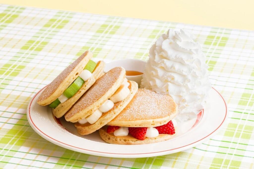 エッグスンシングス フルーツパンケーキサンド