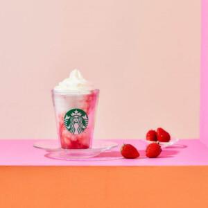 【新作】スターバックスコーヒーから「ストロベリーフラペチーノ」が今年も登場!甘酸っぱい苺ソースとミルクのマーブル模様