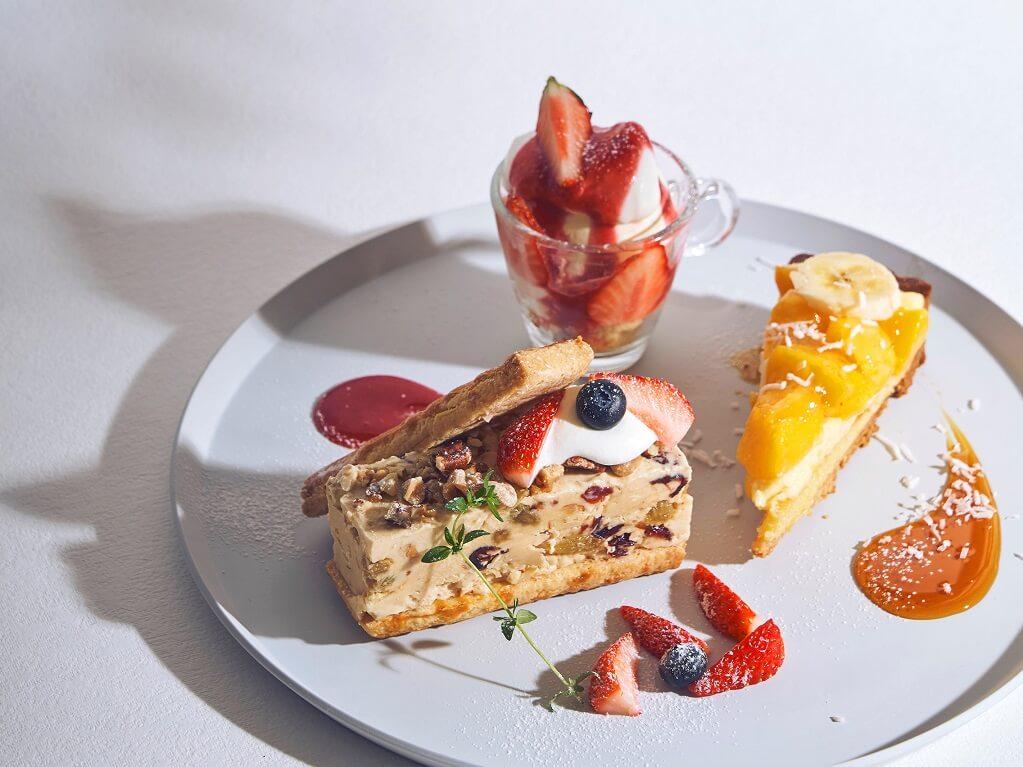 ビブリオテーク 選べるメインの贅沢デザートプレート