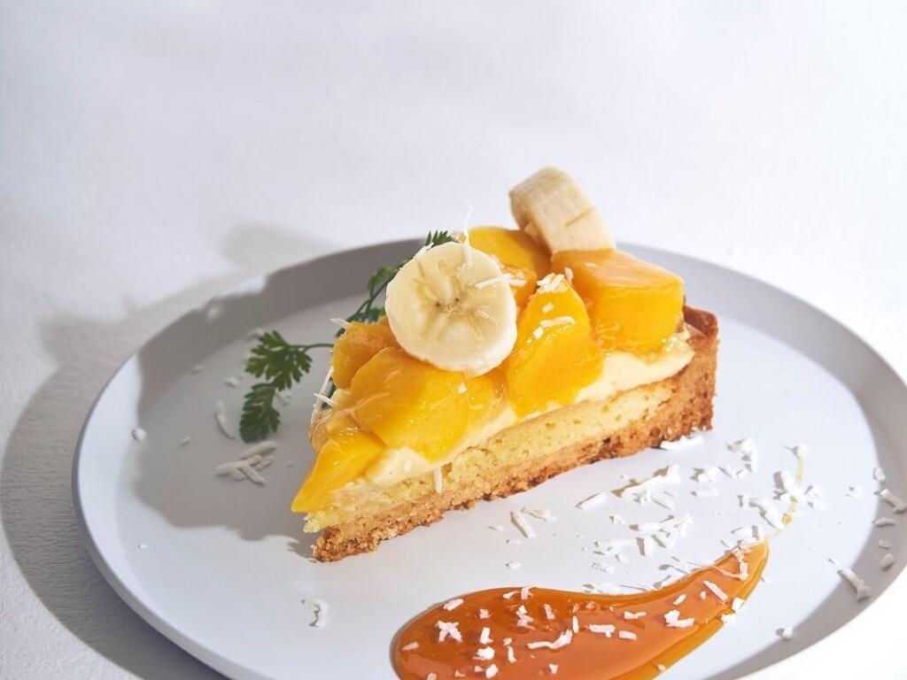 ビブリオテーク マンゴーとバナナのアーモンドクリームタルト