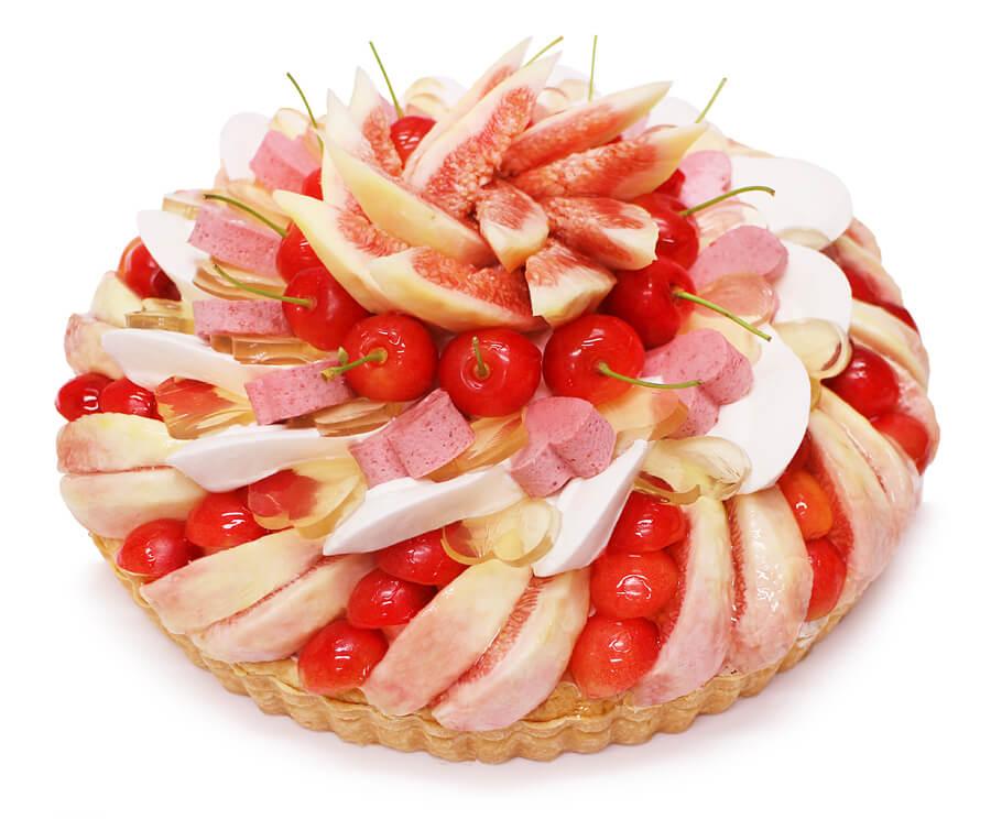 カフェコムサ 織姫 — さくらんぼといちじくのケーキ —