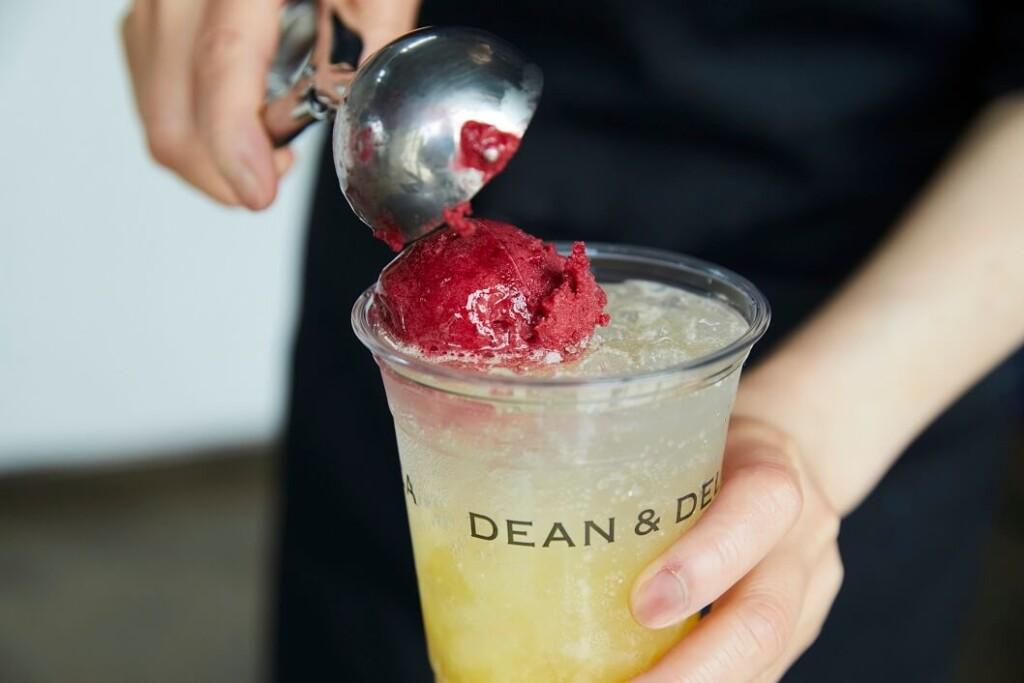DEAN & DELUCA CAFE パッションカシスフロート