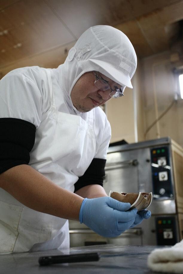 ゴディバ スプーンで食べる生カステラ 製作風景